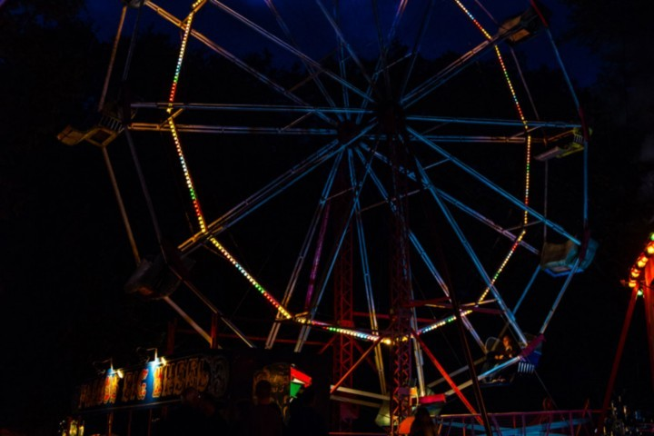 Hollycombe's big wheel at night
