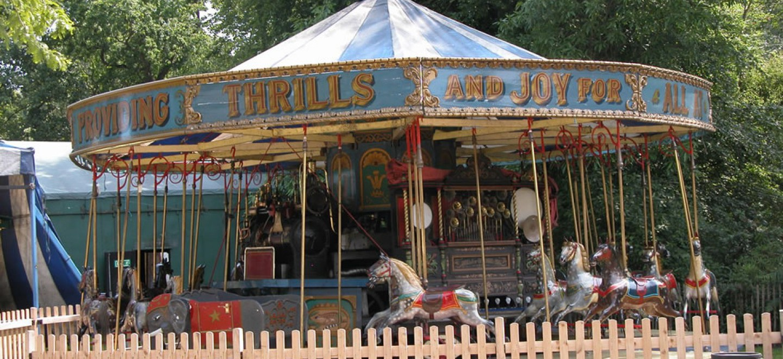 Mr Field's Steam Circus Dobbies set